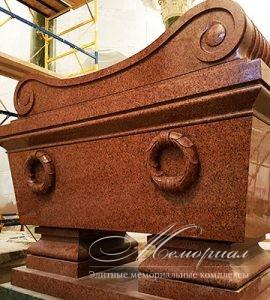 саркофаг из гранита