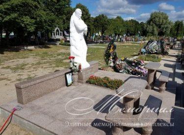 Ритуальная скульптура из мрамора в полный рост (г. Киев)